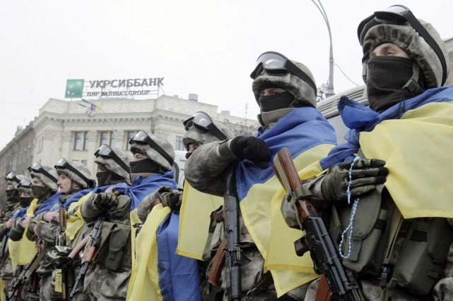 L'armée ukrainienne a annoncé avoir perdu cinq soldats,... (PHOTO STANISLAV BELOUSOV, REUTERS)