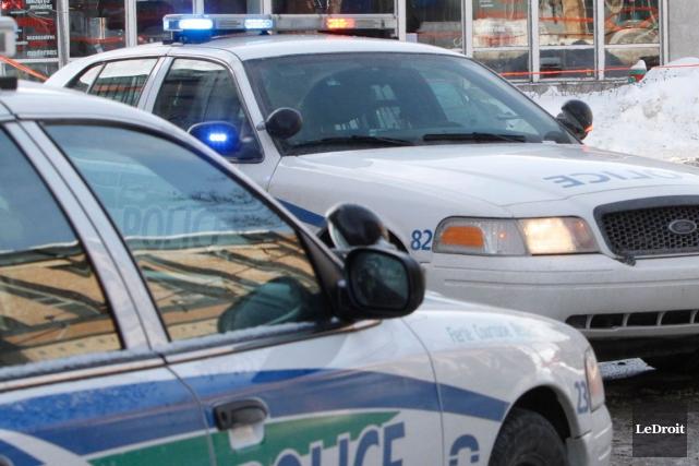 Le policier gatinois Charles Carpentier a été accusé de conduite avec les... (Archives, LeDroit)