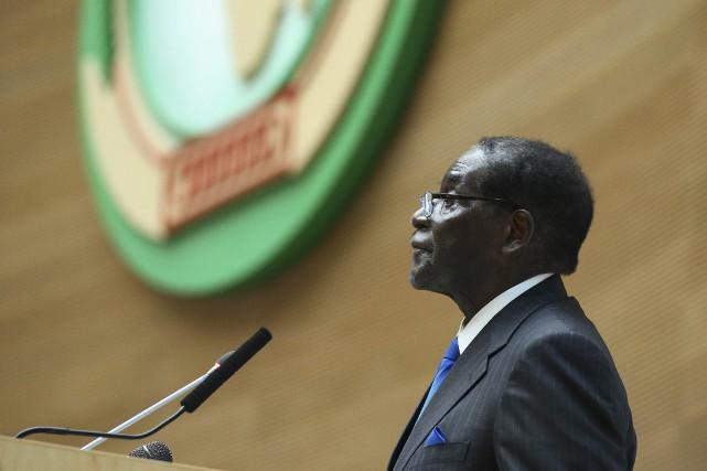 Le président du Zimbabwe,Robert Mugabe... (PHOTO TIKSA NEGERI, REUTERS)