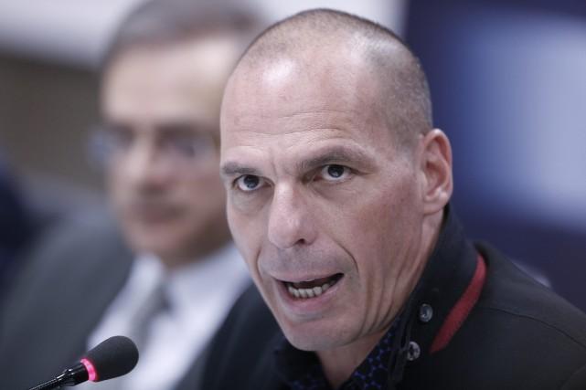 Le ministre grec des Finances, Yanis Varoufakis... (PHOTO PETRO GIANNAKOURIS)