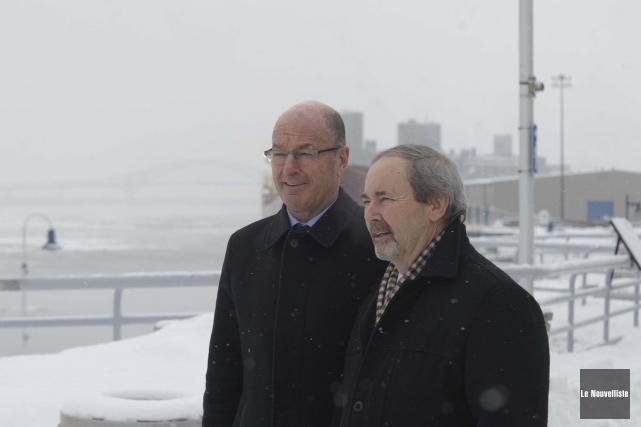 Les maires de Trois-Rivières et Bécancour, Yves Lévesque... (Photo: Sylvain Mayer Le Nouvelliste)