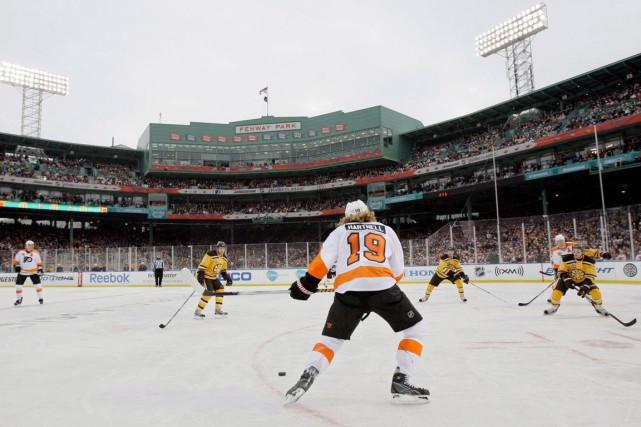 La Place TD pourrait accueillir un match extérieur,... (Archives, Associated Press)