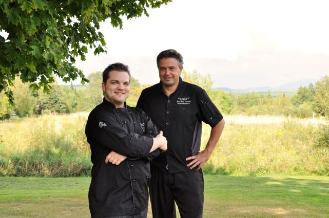 Le chef Kévin Bélisle et le nutrithérapeute Jean-Marc... (Photo fournie)