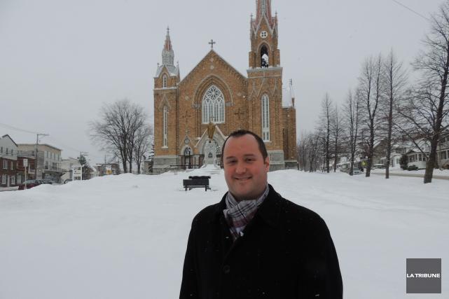 Le curé Steve Lemay célébrera sa dernière messe... (La Tribune, Ronald Martel)
