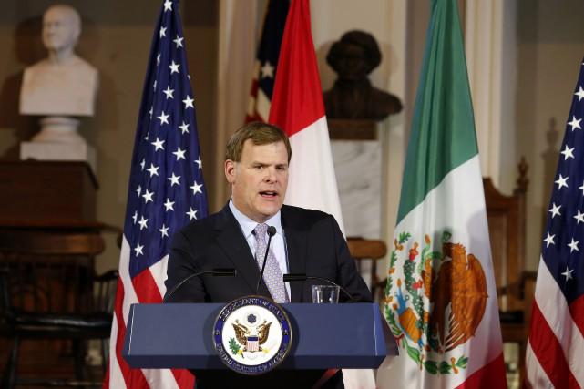 Le ministre des Affaires étrangères du Canada, John... (PHOTO WINSLOW TOWNSON, AP)