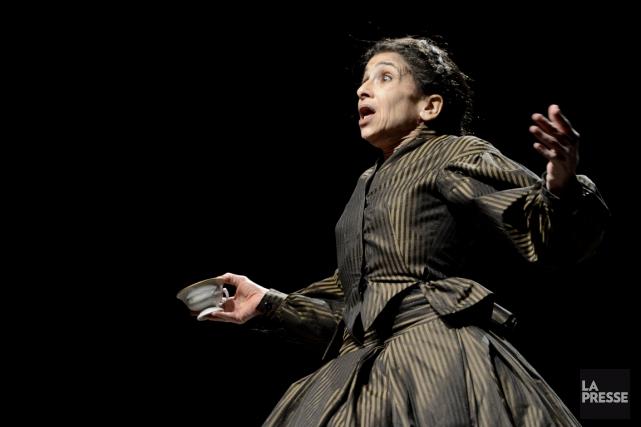 Dans Coeur, de Robert Lepage, Kathryn Hunter incarne... (Photo Bernard Brault, La Presse)