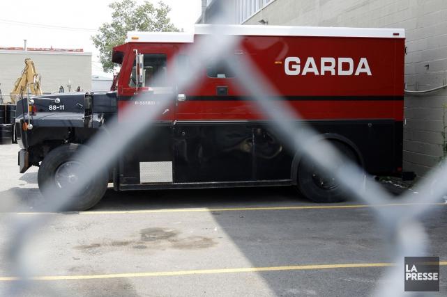 Un fourgon blindé de la firme Garda a été attaqué à Blainville, hier en... (PHOTO ARCHIVES LA PRESSE)