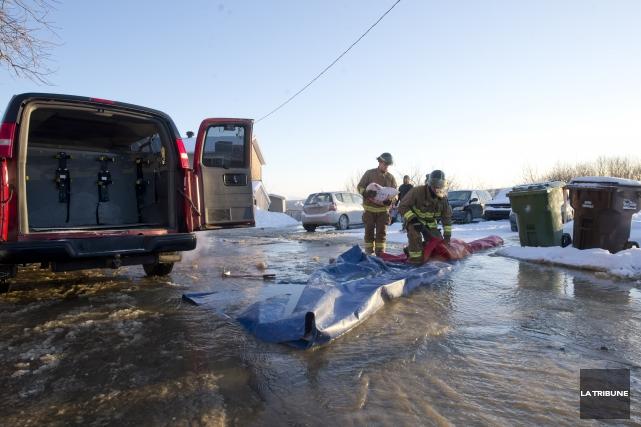 Un bris d'aqueduc a bien failli inonder une quinzaine de résidences dans l'est... (Imacom, Julien Chamberland)