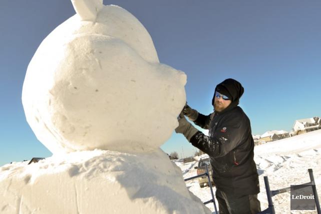 C'est le sculpteur Stéphane Robert qui a réalisé... (Martin Roy, LeDroit)