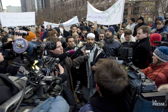 Saïd Jaziri (au centre) lors d'une manifestation tenue... (PHOTO DAVID BOILY, ARCHIVES LA PRESSE)
