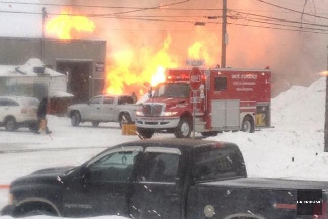 Un homme a été blessé dans l'incendie d'une... (Photo: La Tribune)