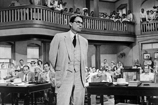 Gregory Peck dans la peau de l'avocat Atticus Finch... (Photo: Universal)