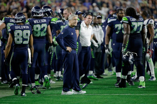 La décision de Pete Carroll a possiblement coûté... (Photo Matt Rourke, AP)