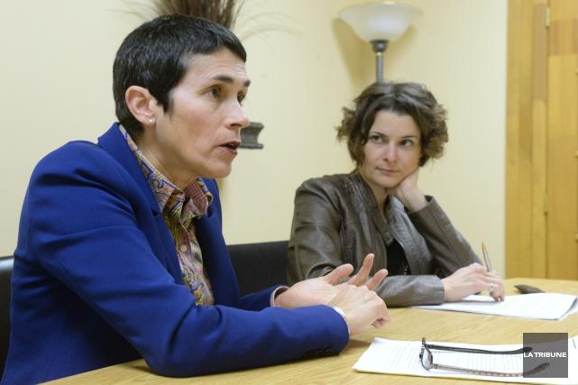 Nicole Bergeron et Isabelle Tardif de Pro-Gestion Estrie... (IMACOM, MAXIME PICARD)