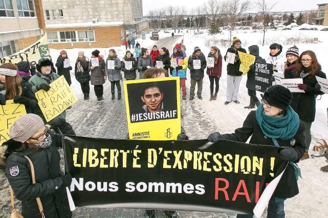 «Au gouvernement canadien, nous disons: libérez Raif. Au gouvernement saoudien,...