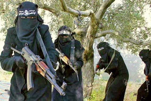 Des combattantes de la Brigade al-Khansaa, en Syrie... (PHOTO SYRIADEEPLY.ORG)