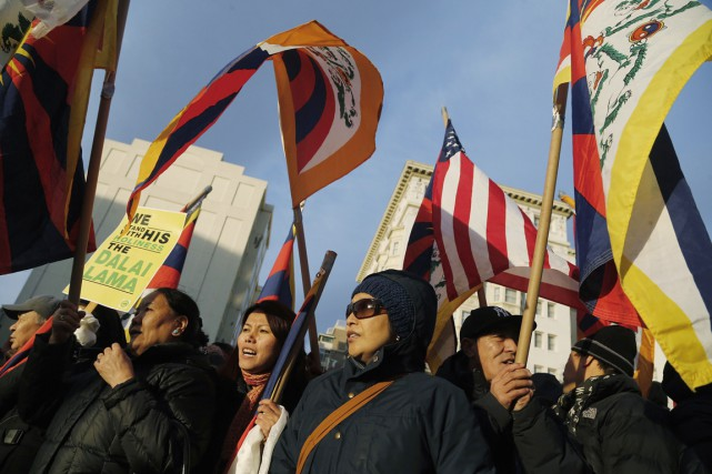 Des partisans du dalaï-lama manifestent à Washington, le... (PHOTO JONATHAN ERNST, REUTERS)