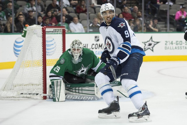 Evander Kane... (PHOTO ARCHIVES USA TODAY)
