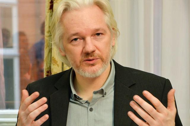 En août dernier, Julian Assange a embrasé les... (Archives AFP)