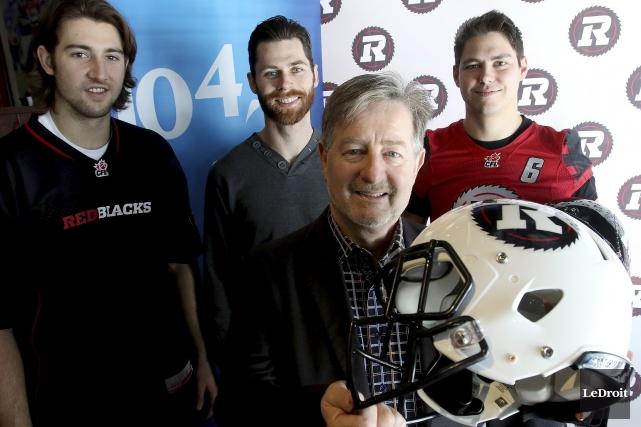 L'équipe du 104,7 FM, menée par Bob Rioux... (Patrick Woodbury, LeDroit)