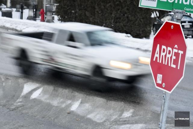 Près de deux accidents par jour sur le territoire de Sherbrooke sont causés... (Archives La Tribune, Jocelyn Riendeau)