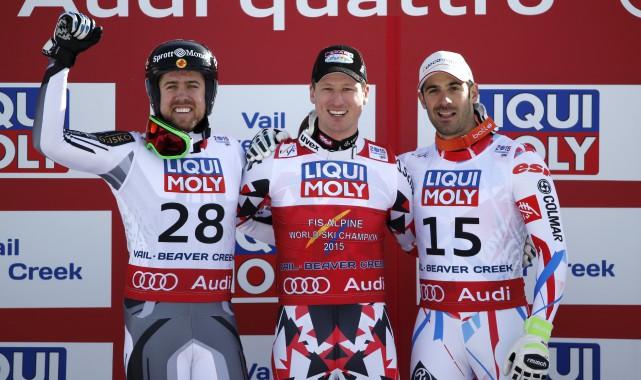 Cook s'avère le troisième skieur du coin à... (Associated Press)