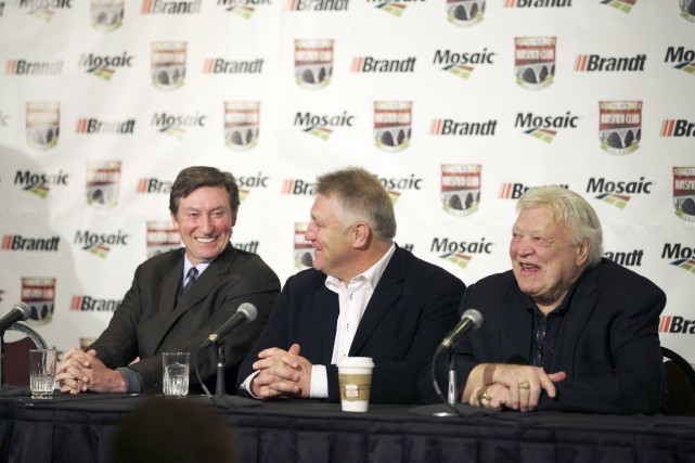 Wayne Gretzky, Brett Hull et Bobby Hull... (Photo David Stobbe, Reuters)