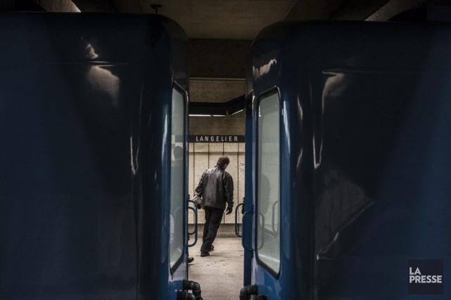 Le processus mènera les forces de l'ordre à... (PHOTO OLIVIER PONTBRIAND, LA PRESSE)