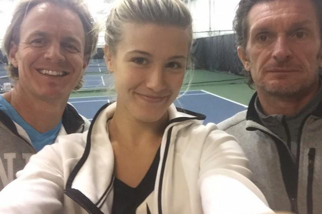 Eugenie Bouchard accompagnée de son préparateur physique, Scott... (Photo tirée de Twitter)