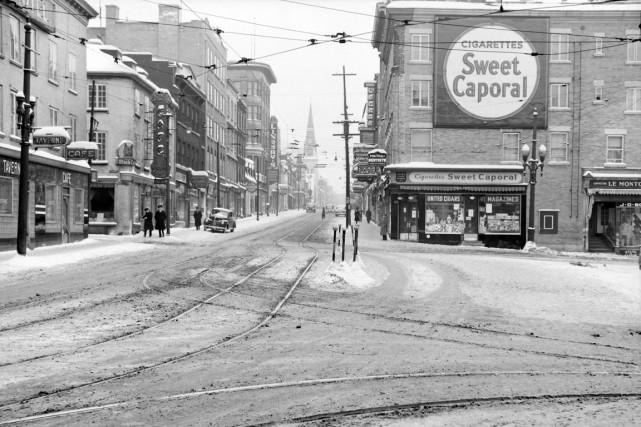 La place D'Youville en 1943... (Archives Ville de Québec, N002132)