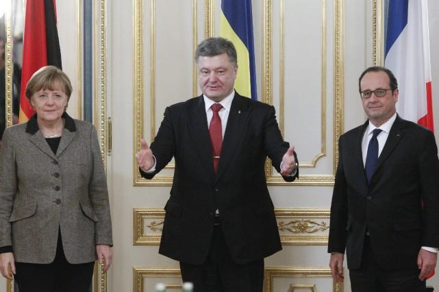Angela Merkel, Petro Porochenko et François Hollande s'entretiendront...