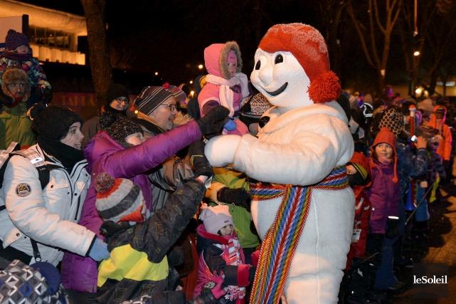 C'est Bonhomme Carnaval qui mettra fin à l'événement... (PHOTO PASCAL RATTHÉ, LE SOLEIL)