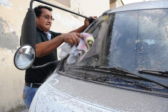 Les autorités ont déclaré l'état d'alerte, mais aucune... (Photo Johan ORDONEZ, AFP)
