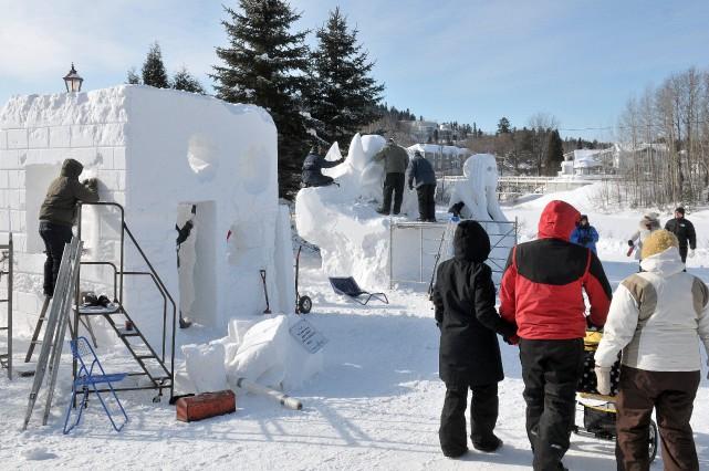 Les sculpteurs de Saguenay en neige ne peuvent... ((Photo Rocket Lavoie))