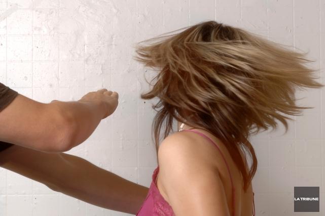 C'est à Sherbrooke qu'il y a eu le moins de crimes de violence conjugale... (Archives La Tribune)