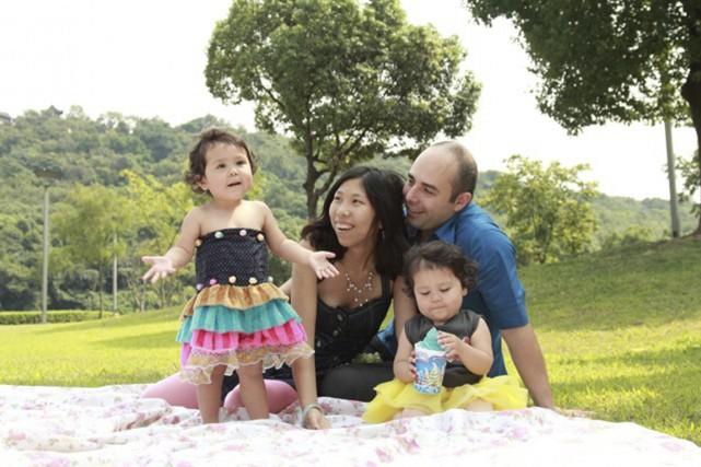 Christian Mireault vit en Chine avec sa femme,... (Photo fournie par Christian Mireault)