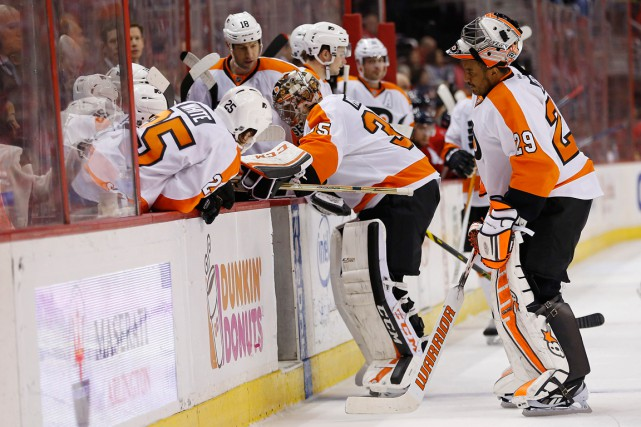 Steve Mason (35) s'est blessé, dimanche à Washington,... (Photo Geoff Burke, USA Today Sports)