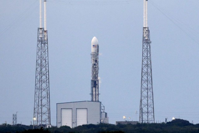 SpaceX avait lancé Dragon le 10 janvier à... (PHOTO JOHN RAOUX, ASSOCIATED PRESS)