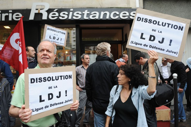 Une manifestation contre la Jewish Defense League avait eu... (PHOTO BORIS HORVAT, ARCHIVES AGENCE FRANCE-PRESSE)