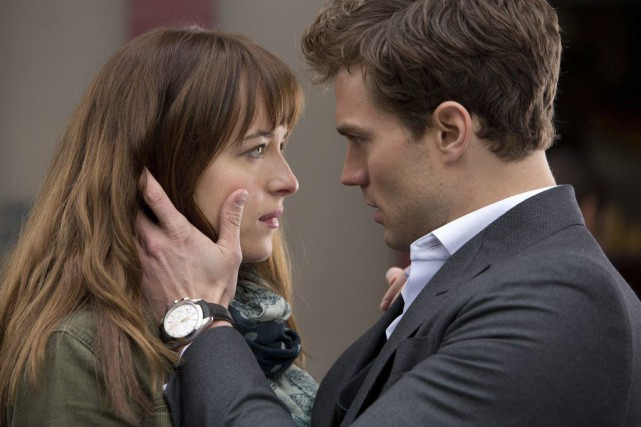 Dakota Johnson et Jamie Dornan dans une scène... (Photo Universal Pictures and Focus Features / AP)