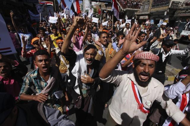 Le Yémen, pays à majorité sunnite, est plongé... (Photo: AP)