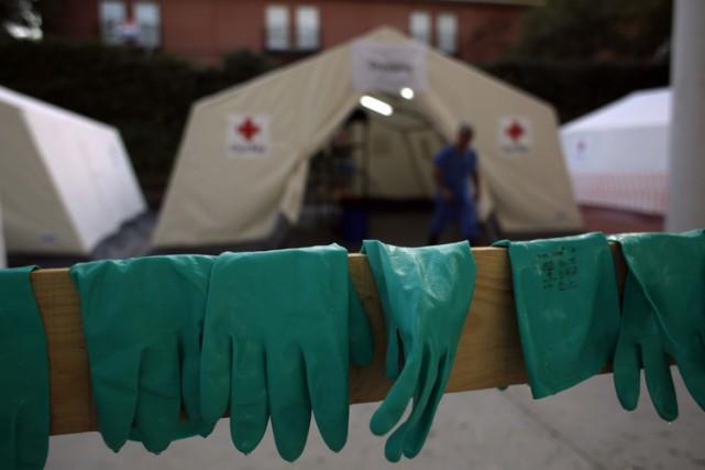 Le nombre de malades touchés par la fièvre hémorragique Ebola a continué... (Photo: Reuters)