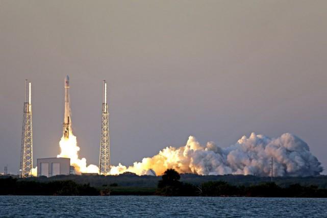 Le satellite est une mission conjointe de 340... (Photo John Raoux, AP)