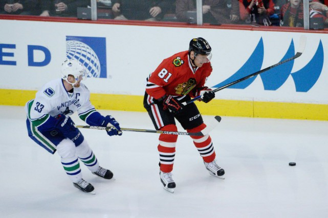 Les Canucks de Vancouver l'emportent 5-4 face aux... (Photo David Banks-USA TODAY Sports)