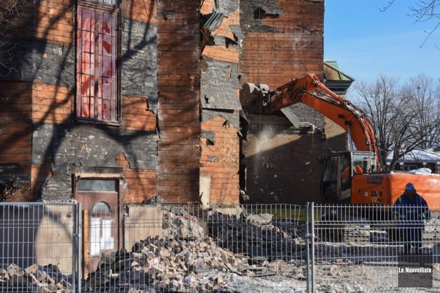 La démolition de l'église Saint-Philippe a débuté mercredi.... (Photo: François Gervais, Le Nouvelliste)