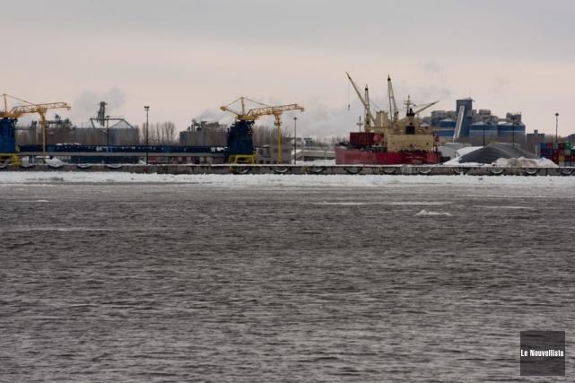 Le port de Bécancour, vu de Champlain.... (Photo: François Gervais, Le Nouvelliste)