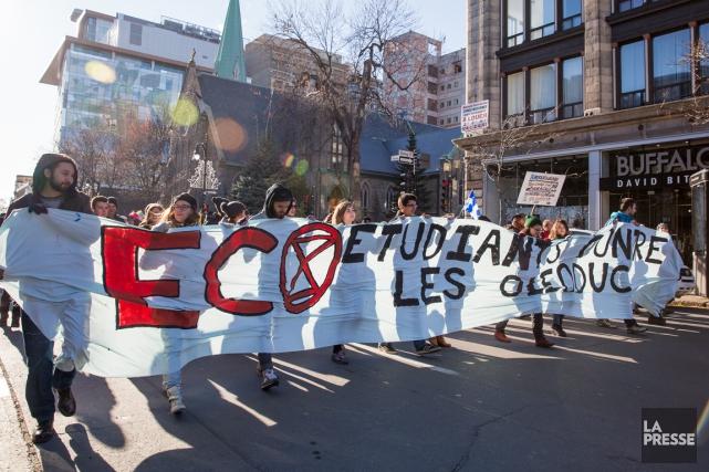 Le groupe Étudiants contre les oléoducs (ÉCO) entend... (PHOTO ULYSSE LEMERISE, COLLABORATION SPÉCIALE, ARCHIVES LA PRESSE)