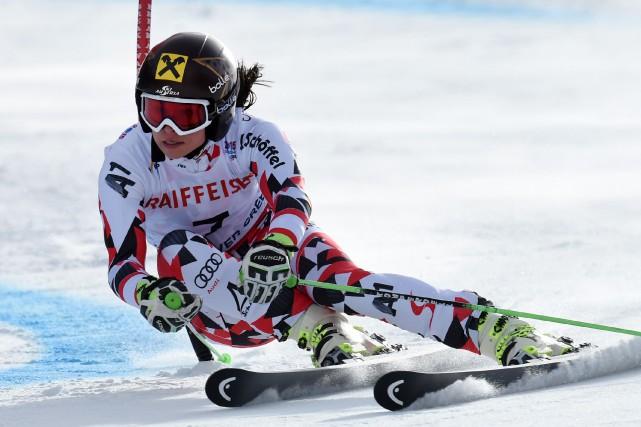 Anna Fenninger... (PHOTO DON EMMERT, AFP)
