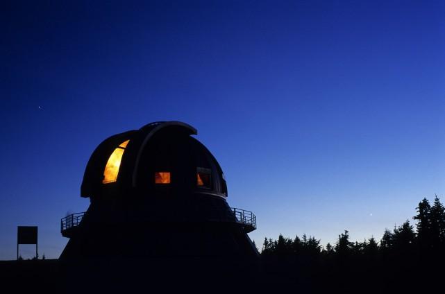 Une cinquantaine d'étudiants aux cycles supérieurs et astrophysiciens... (PHOTO fournie par l'Observatoire du Mont-Mégantic)