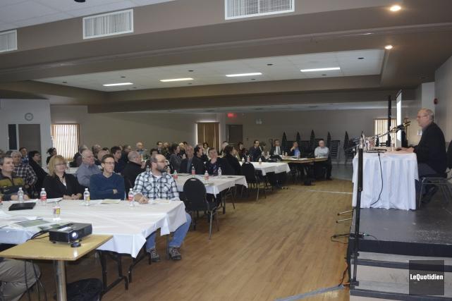 Une centaine de personnes ont participé au Forum... ((Photo Le Quotidien Louis Potvin))